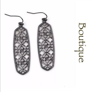 ☀️SUMMER SALE☀️Gunmetal Oval Filigree Earrings